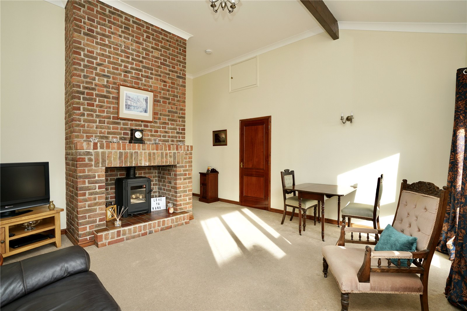 2 bed bungalow for sale in Windmill Close, Little Gransden  - Property Image 3