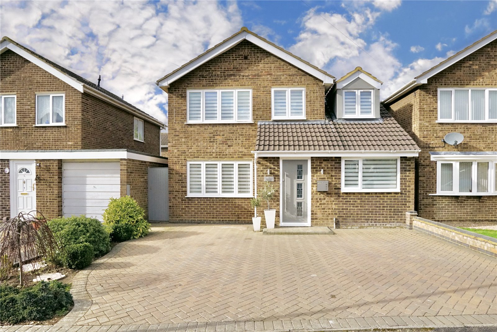 4 bed house for sale in Weston Court, Eaton Ford  - Property Image 1