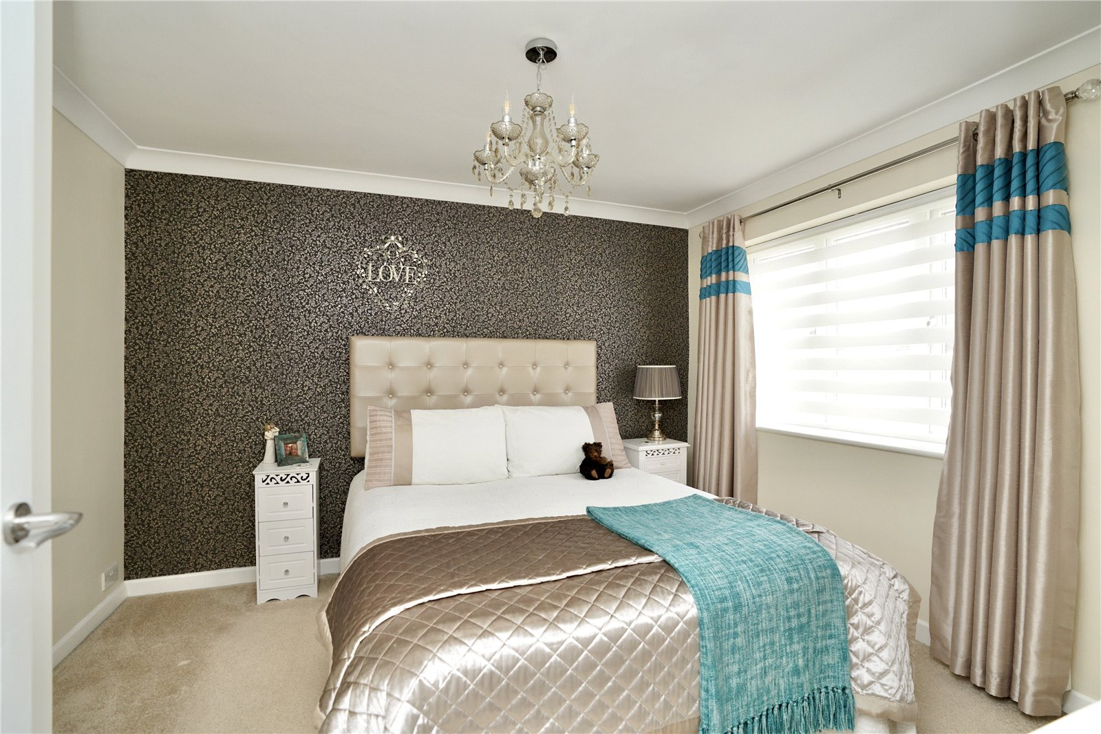 4 bed house for sale in Weston Court, Eaton Ford  - Property Image 10