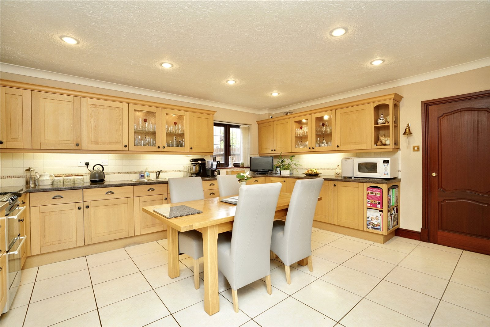 5 bed house for sale in Great North Road, Eaton Ford  - Property Image 2