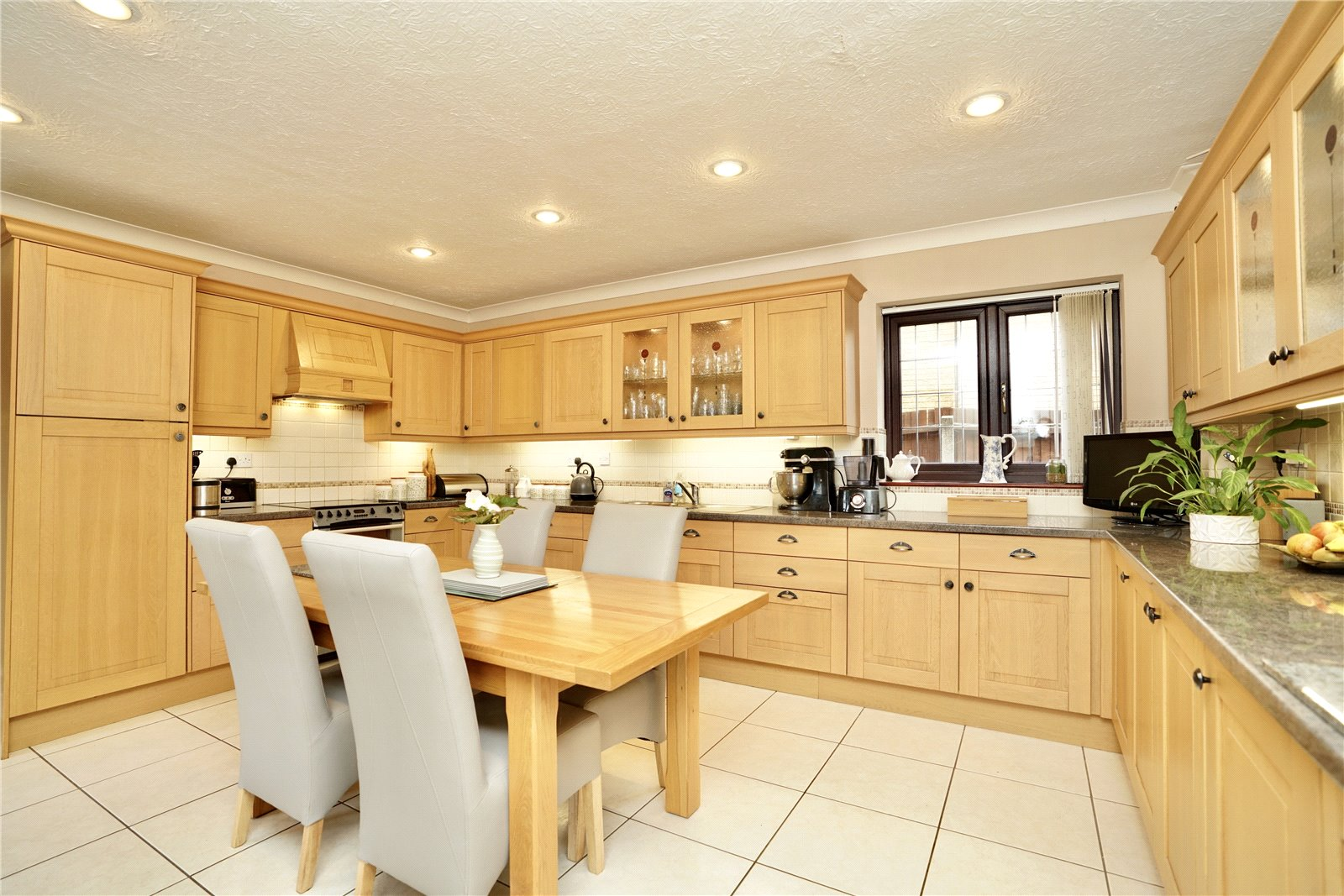 5 bed house for sale in Great North Road, Eaton Ford  - Property Image 3