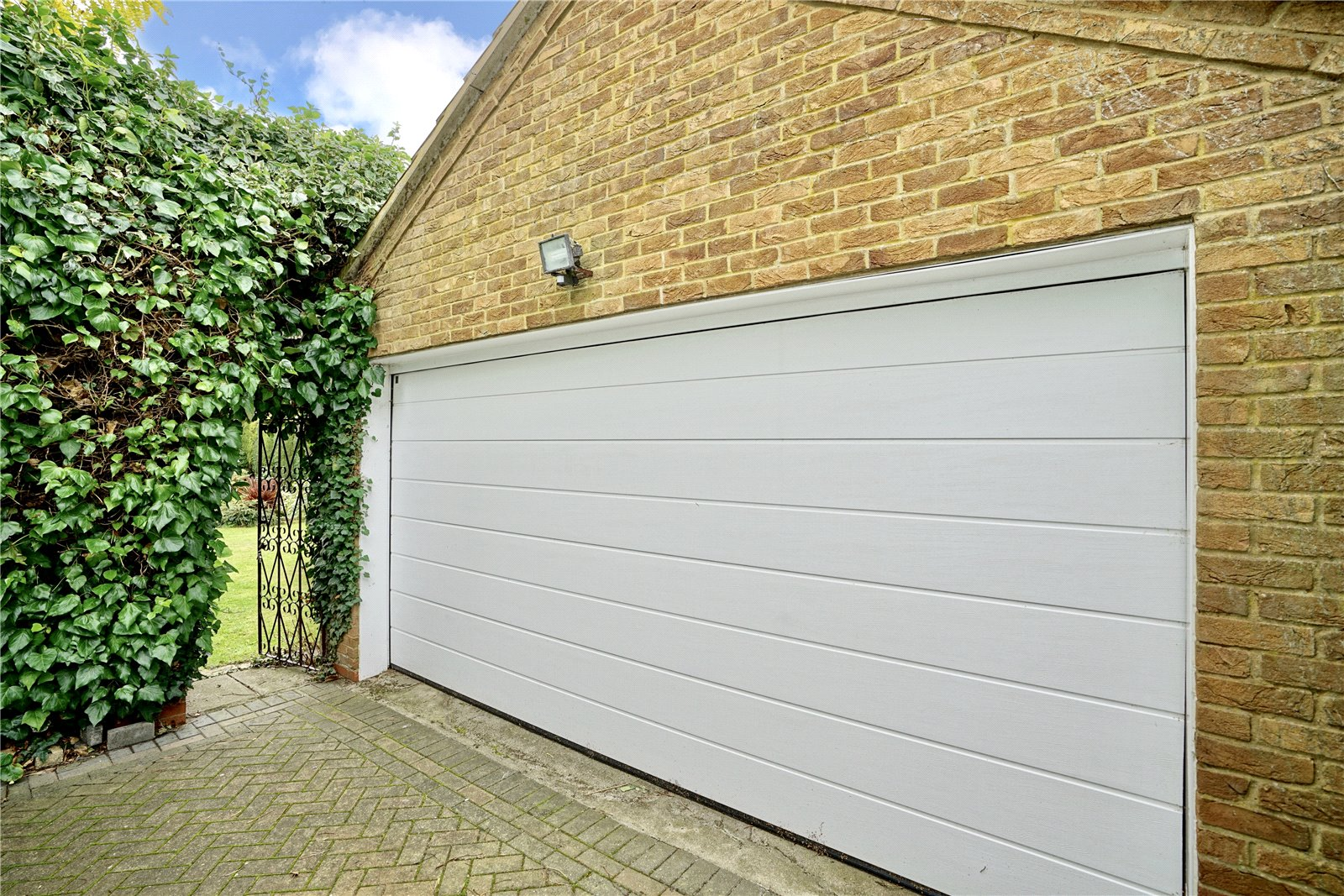 5 bed house for sale in Great North Road, Eaton Ford 23