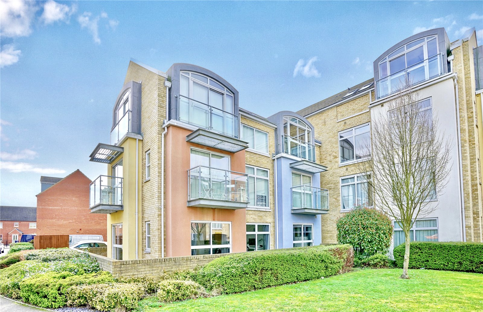 2 bed apartment for sale in Hinsby Court, Shepherd Drive - Property Image 1