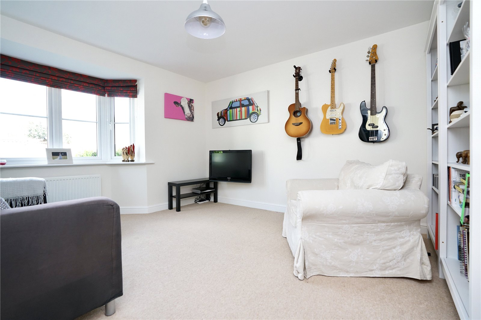 5 bed house for sale in Lannesbury Crescent, St. Neots  - Property Image 7