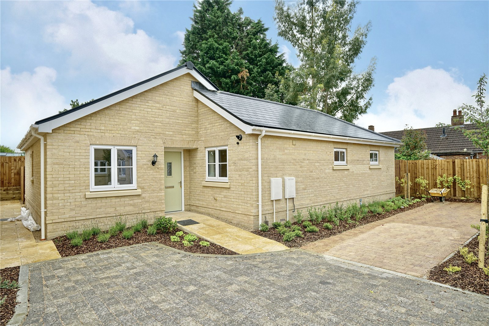3 bed bungalow for sale in Pawley Court, Luke Street 1