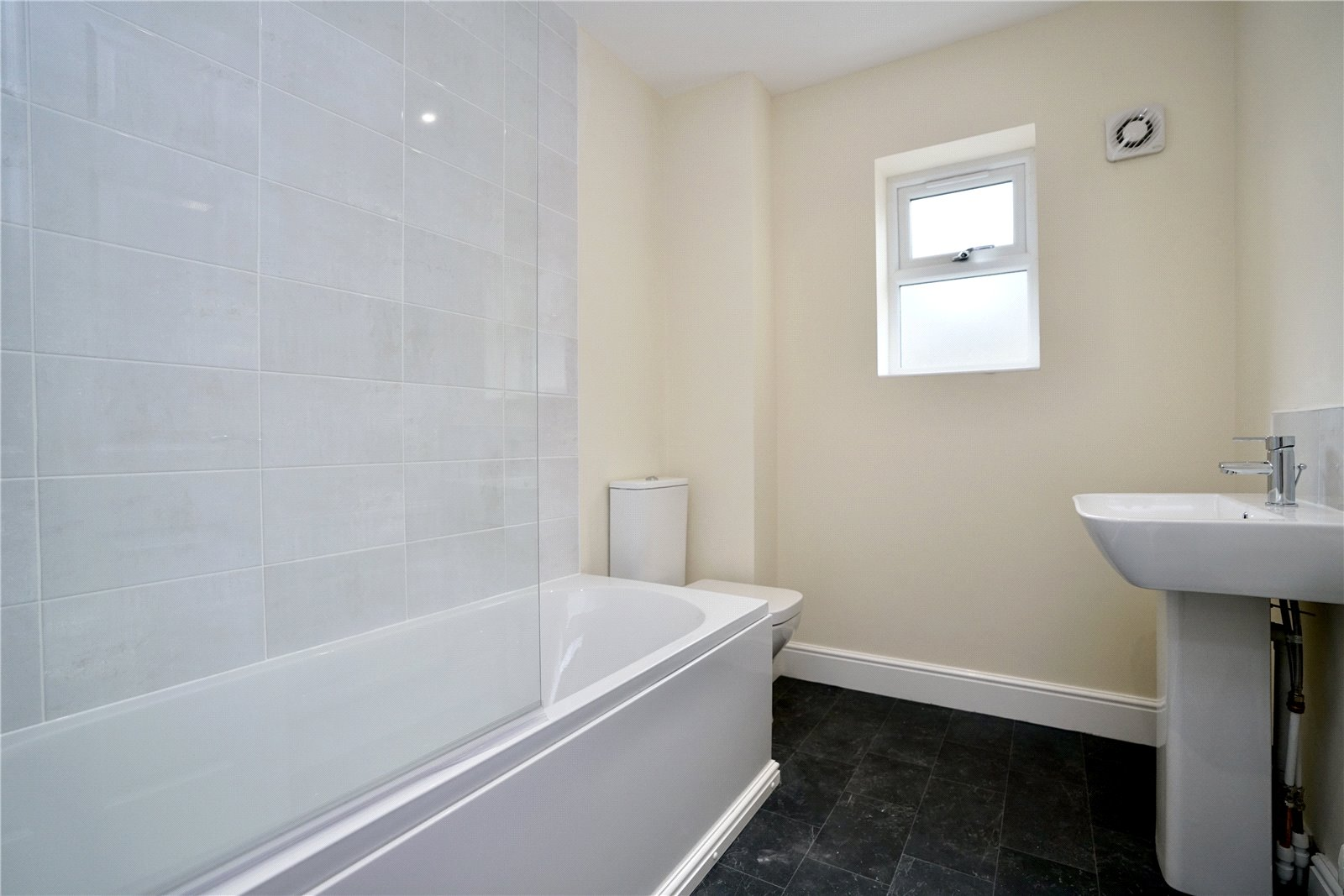 3 bed bungalow for sale in Pawley Court, Luke Street 8