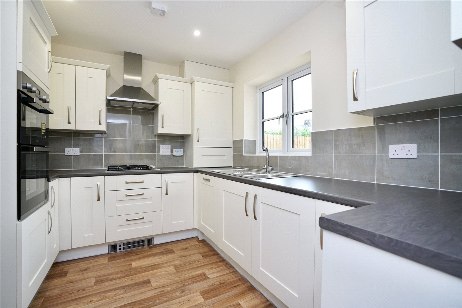 3 bed bungalow for sale in Pawley Court, Luke Street  - Property Image 2