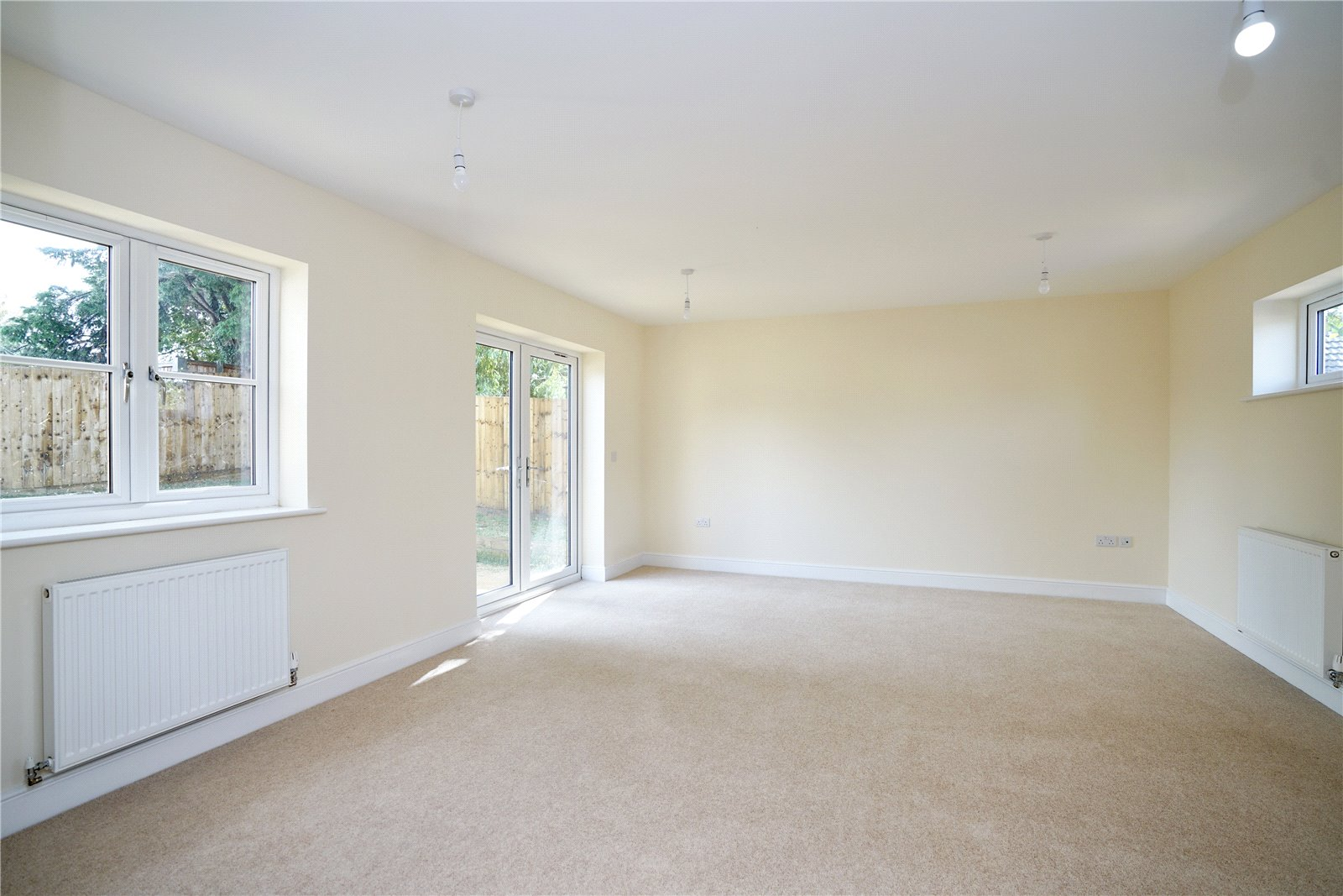 3 bed bungalow for sale in Pawley Court, Luke Street 10