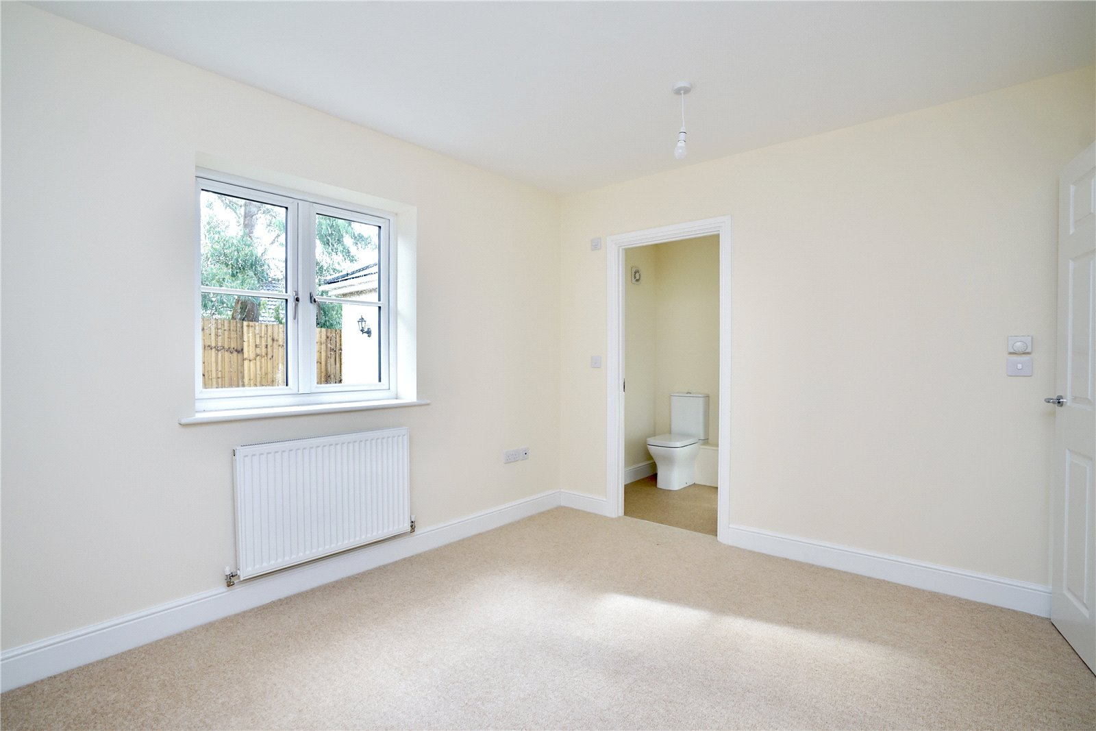 3 bed bungalow for sale in Pawley Court, Luke Street 13