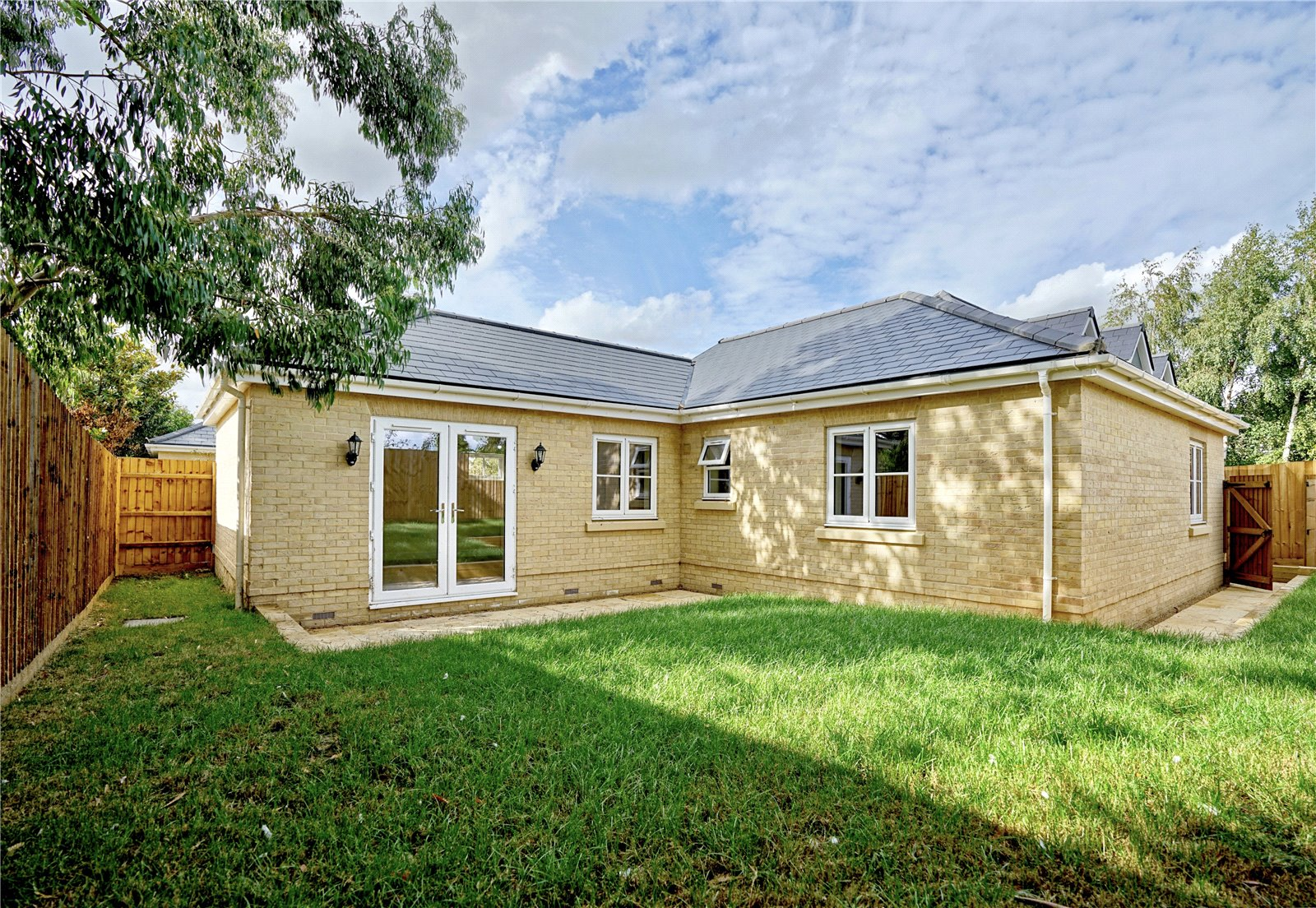 3 bed bungalow for sale in Pawley Court, Luke Street 18