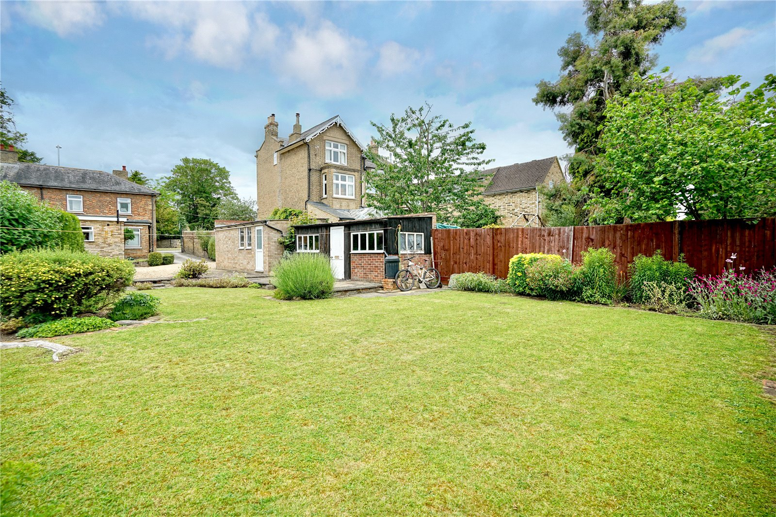 3 bed house for sale in Great North Road, Eaton Socon 1
