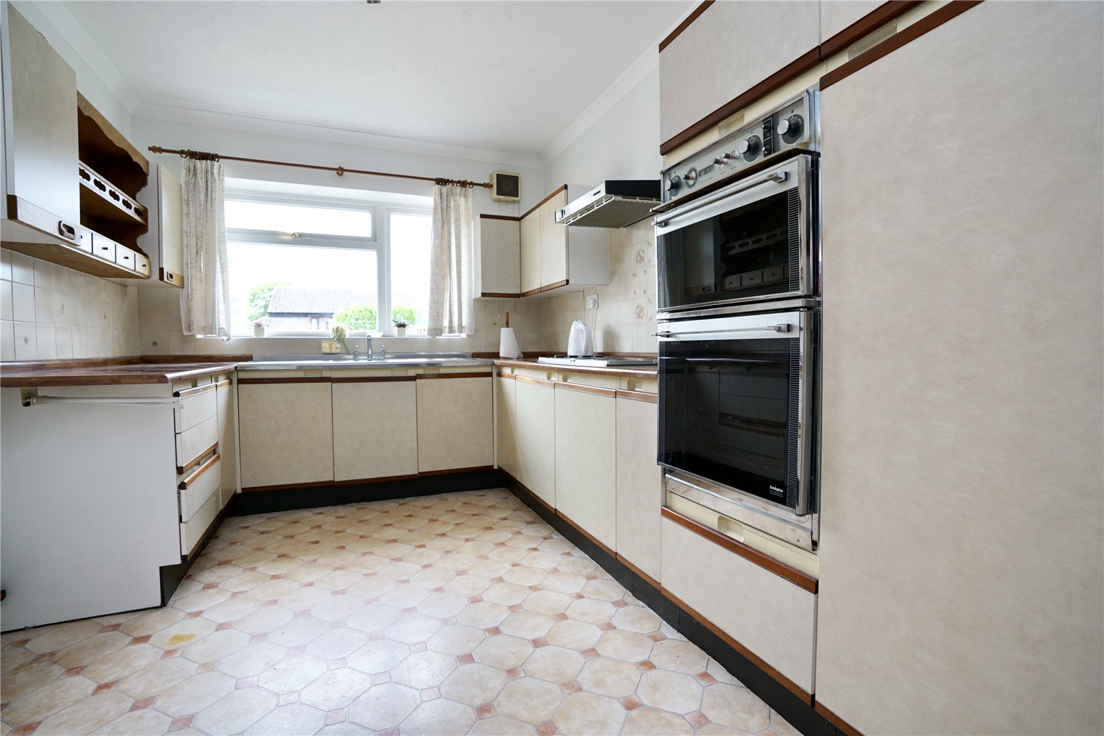 3 bed house for sale in Great North Road, Eaton Socon  - Property Image 2