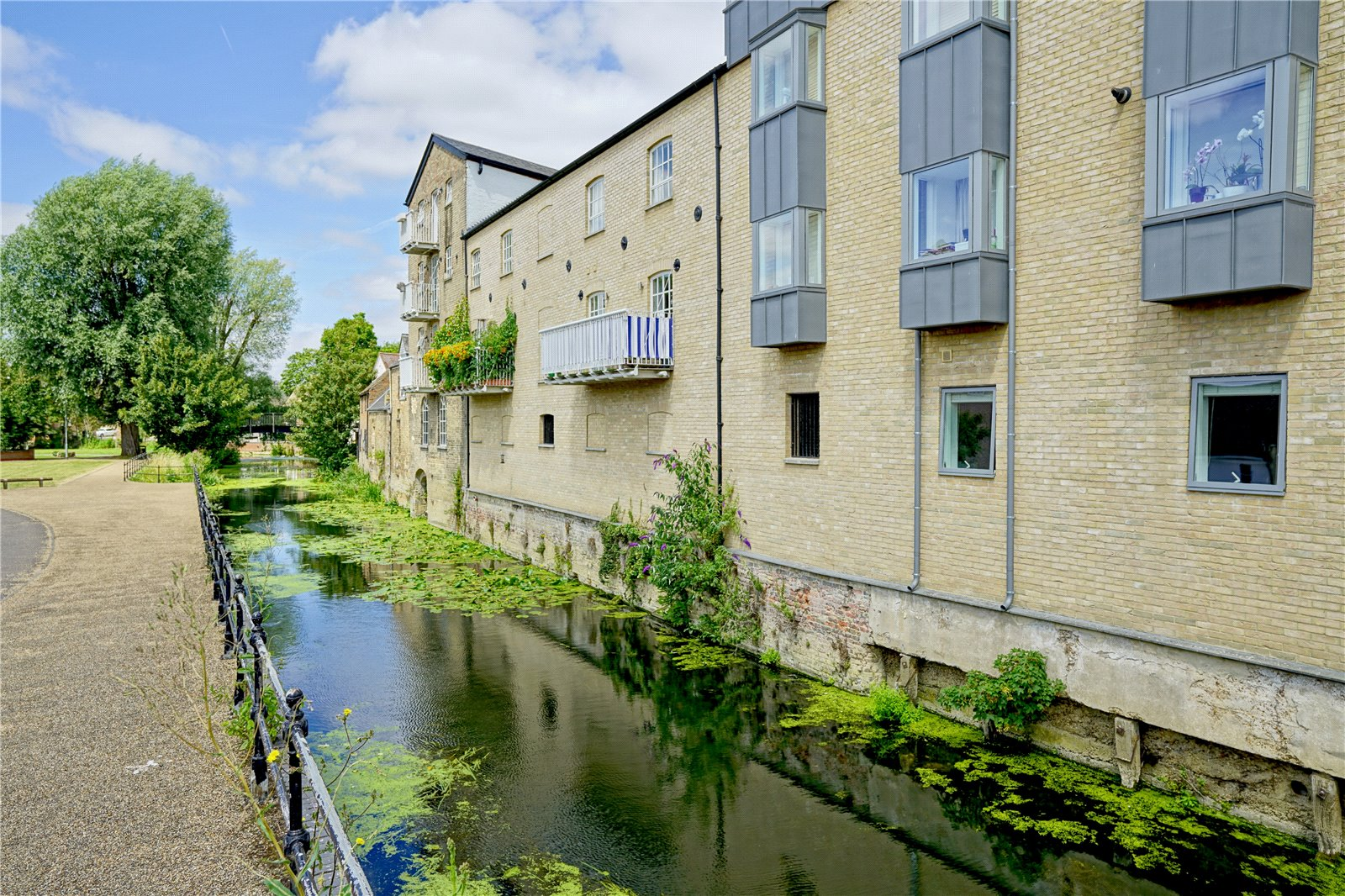 2 bed apartment for sale in Waterside Court, Church Street 8