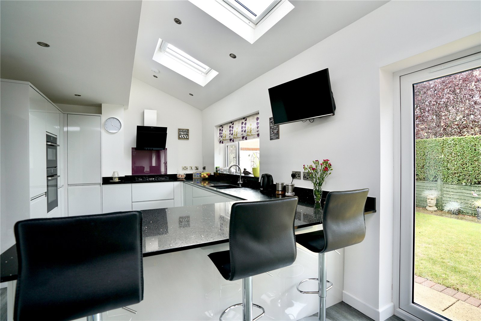 3 bed house for sale in Windsor Way, Sandy  - Property Image 3