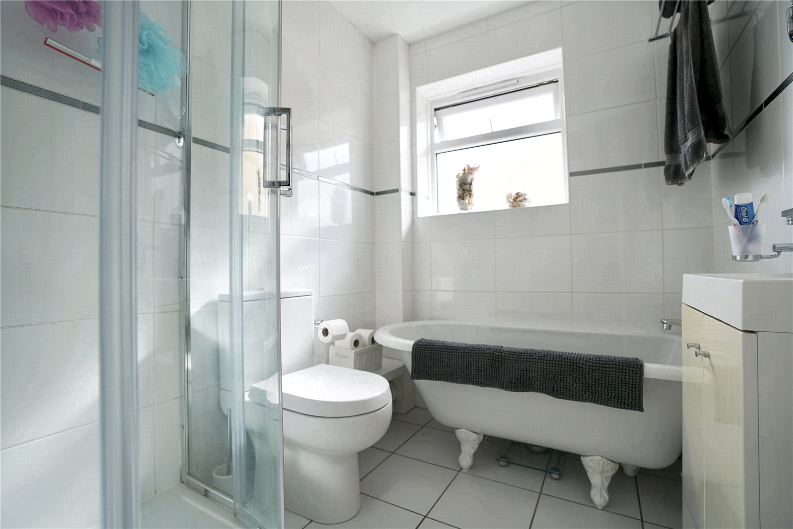 3 bed house for sale in Windsor Way, Sandy 10