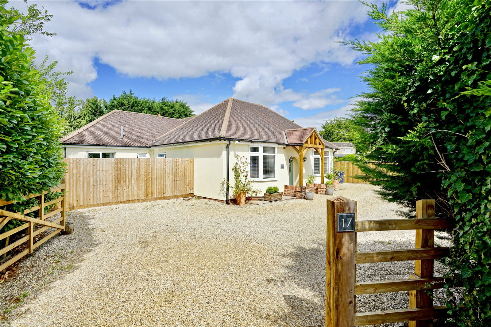 4 bed bungalow for sale in Barford Road, St. Neots - Property Image 1
