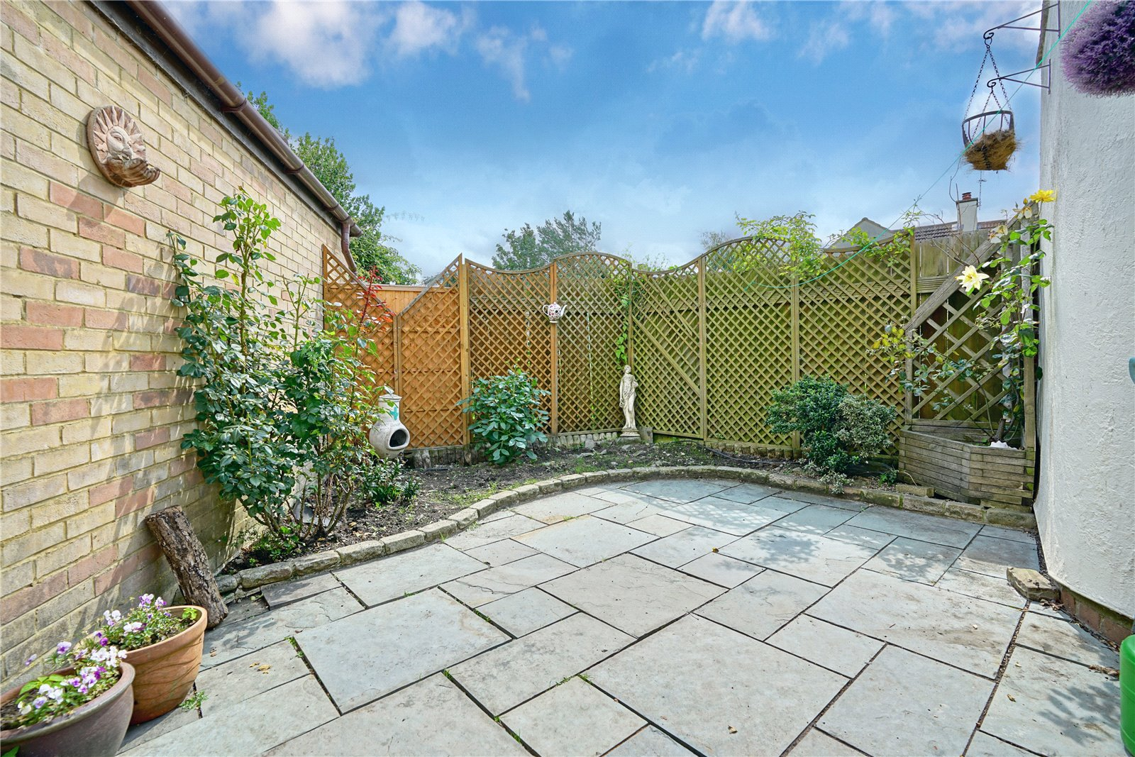 2 bed house for sale in Offord D'arcy 4