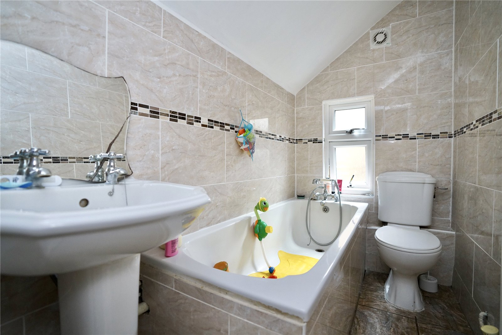 2 bed house for sale in Offord D'arcy 9