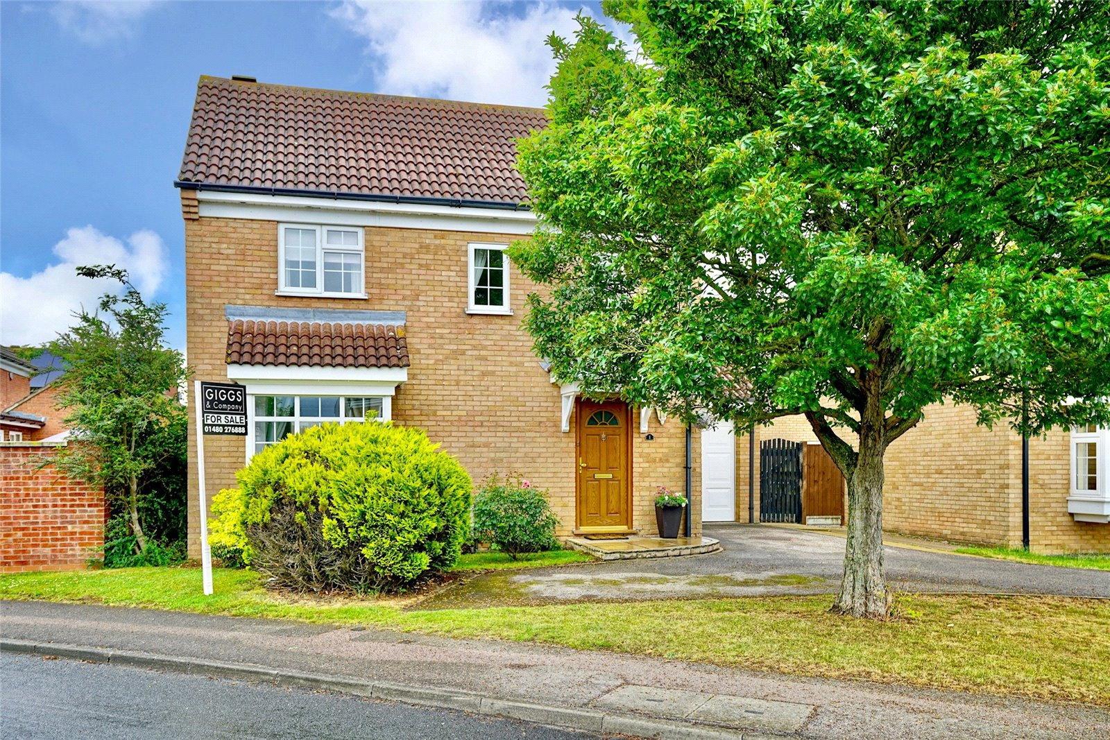 3 bed house for sale in Axis Way, Eaton Socon - Property Image 1