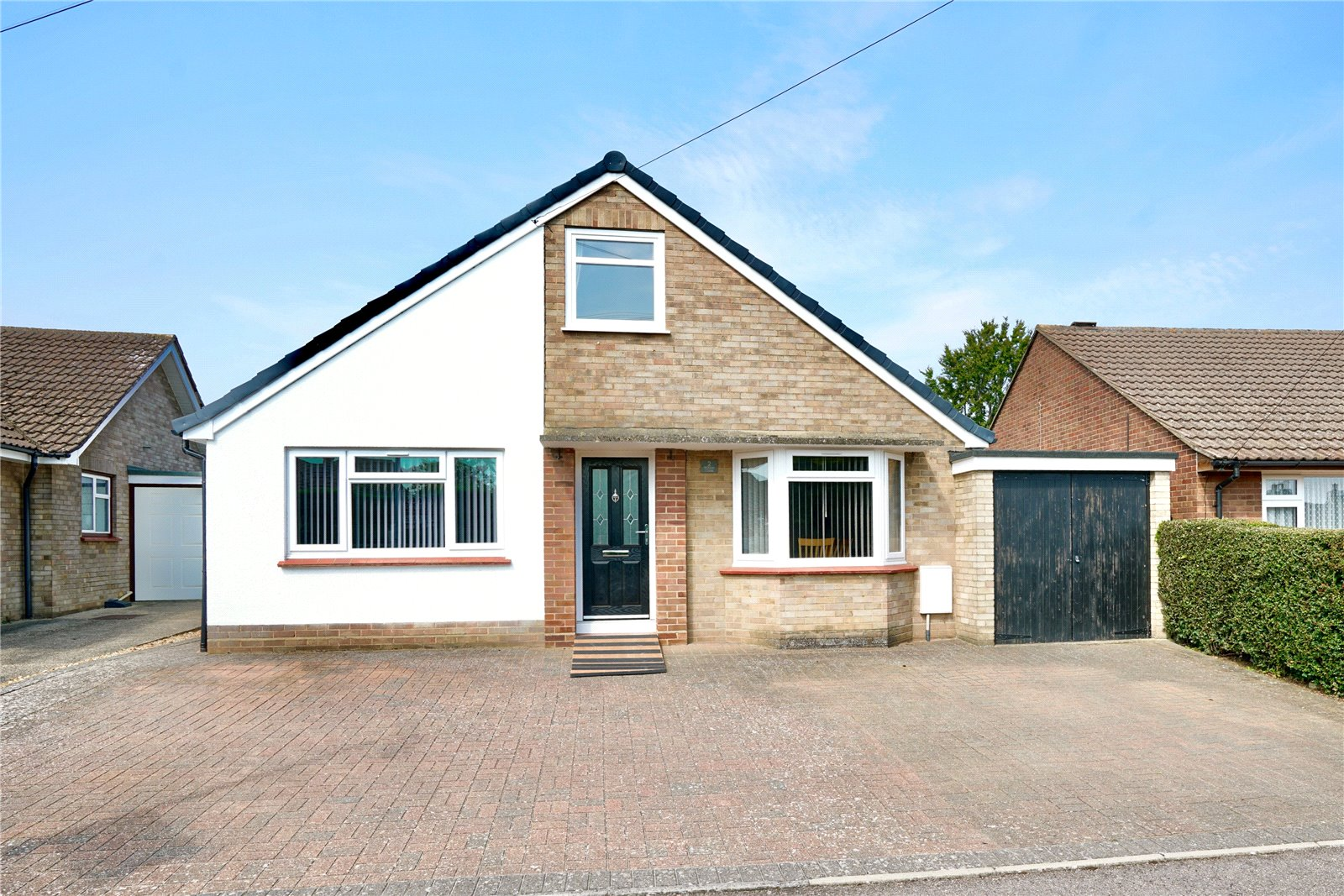 4 bed bungalow for sale in Willow Close, Eynesbury, PE19