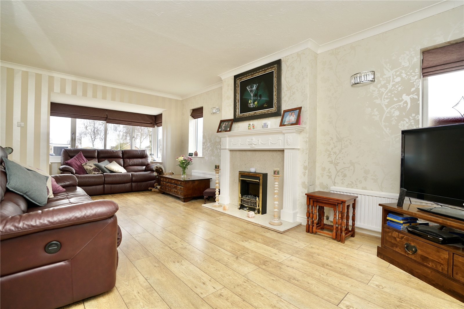 3 bed house for sale in Barley Road, Eaton Socon 2