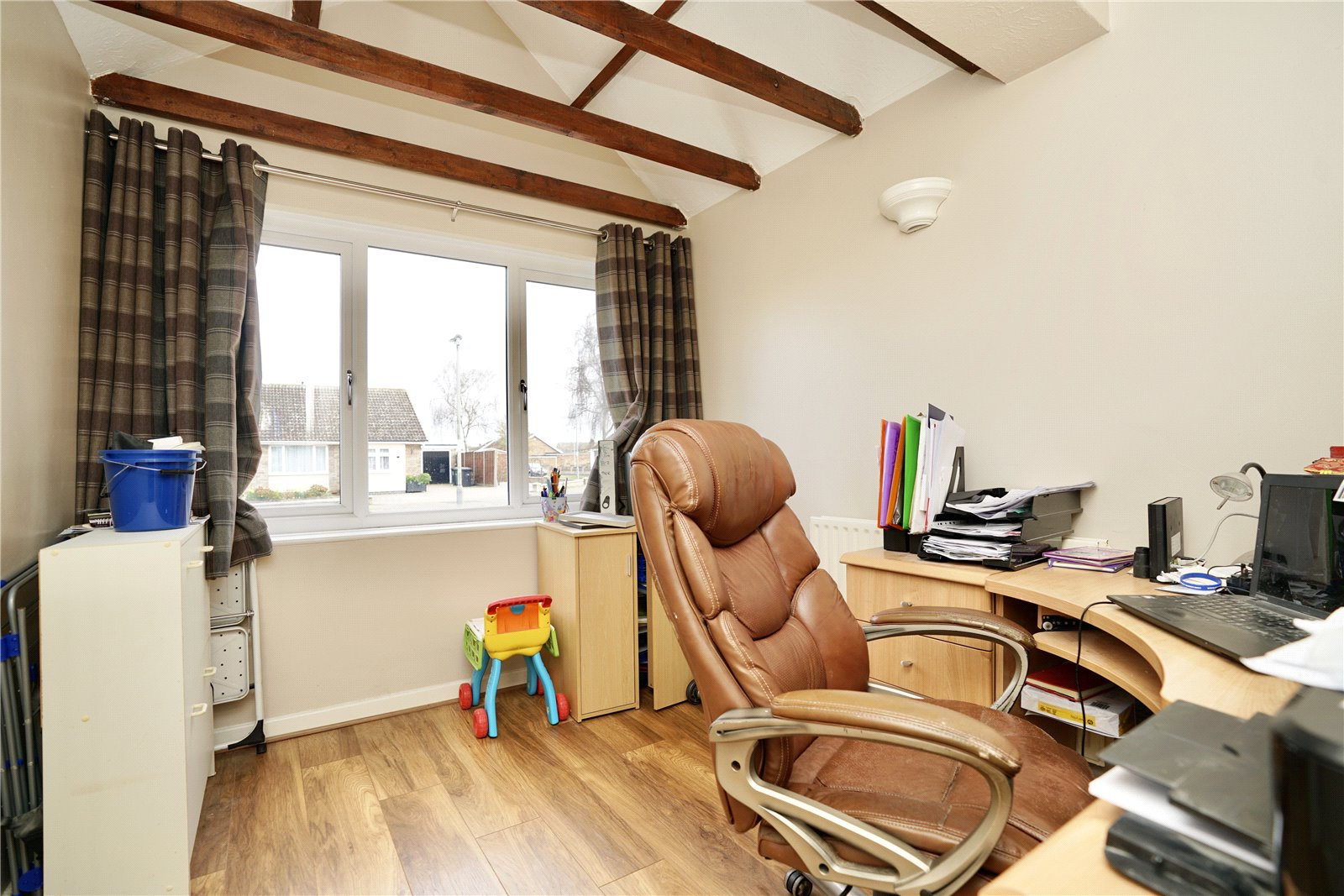 3 bed house for sale in Barley Road, Eaton Socon  - Property Image 2