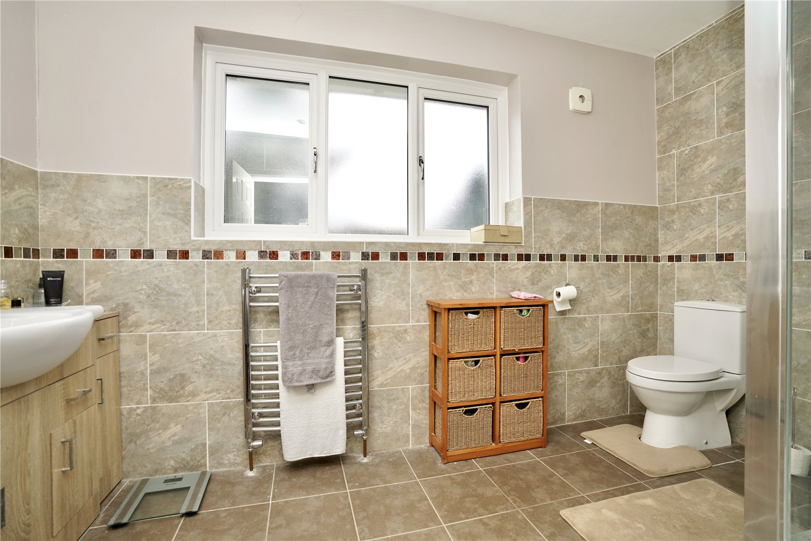 3 bed house for sale in Barley Road, Eaton Socon 12