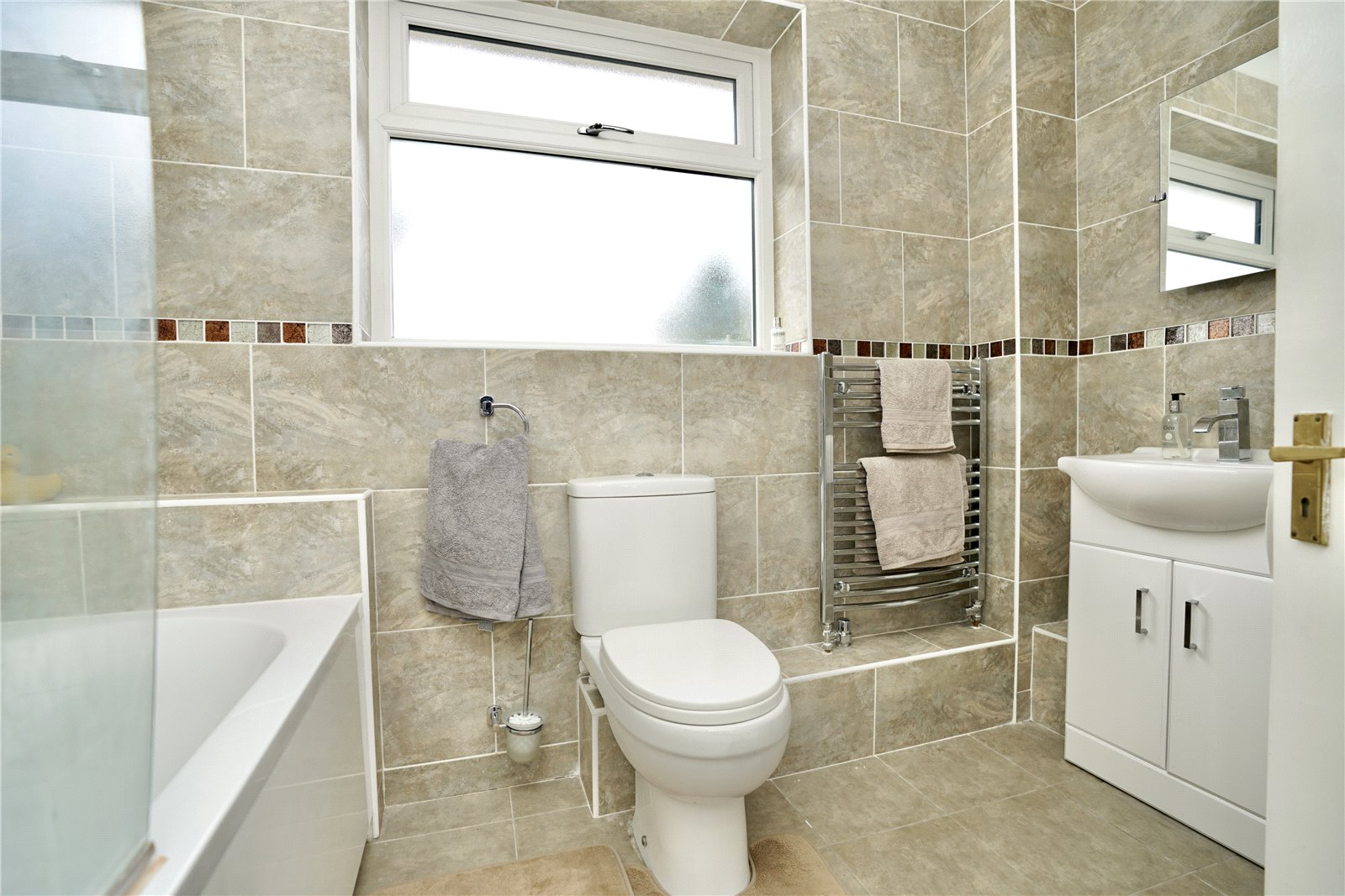 3 bed house for sale in Barley Road, Eaton Socon 13