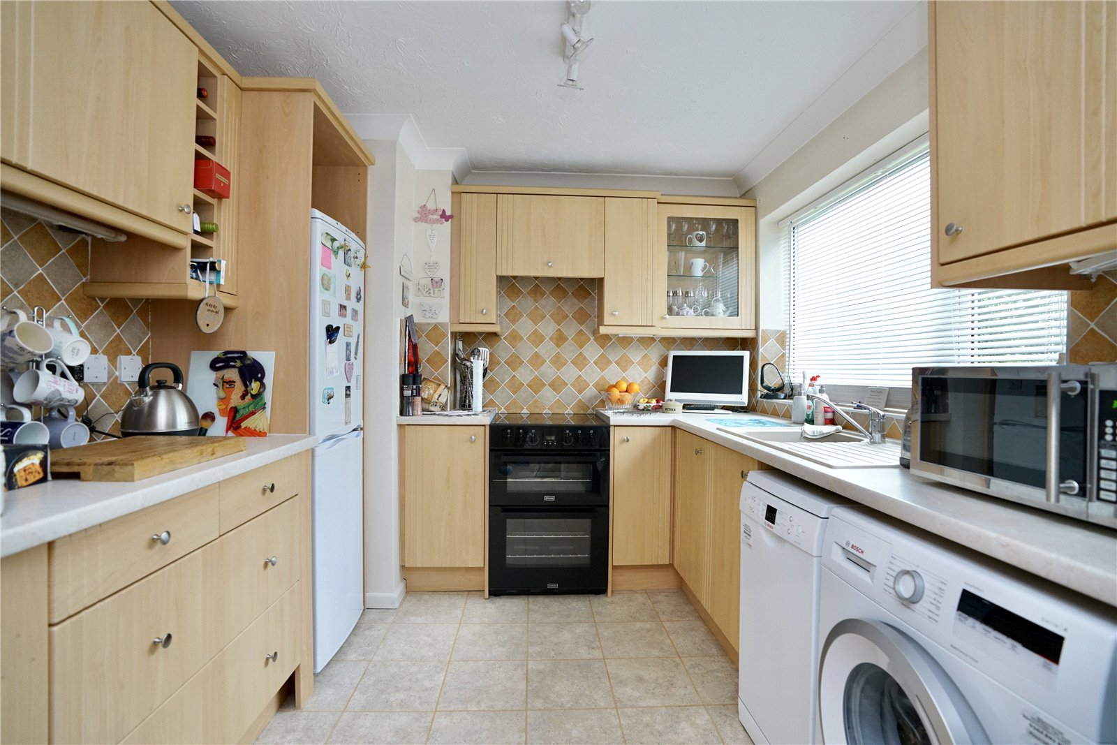 2 bed house for sale in Chestnut Walk, Little Paxton  - Property Image 2