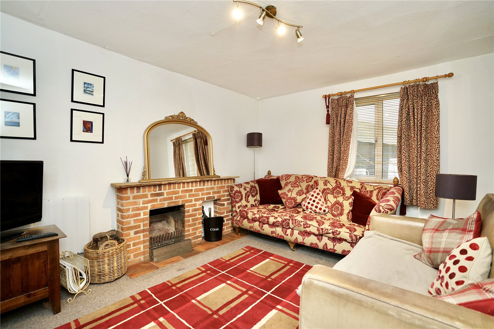 4 bed house for sale in Honeydon, Bedford  - Property Image 4