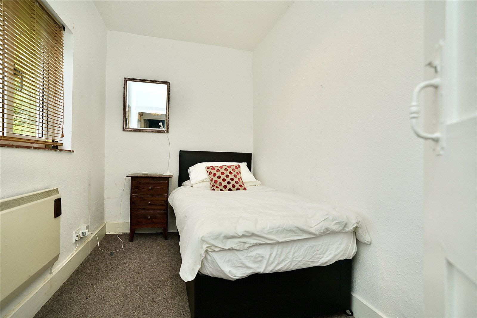 4 bed house for sale in Honeydon, Bedford  - Property Image 11