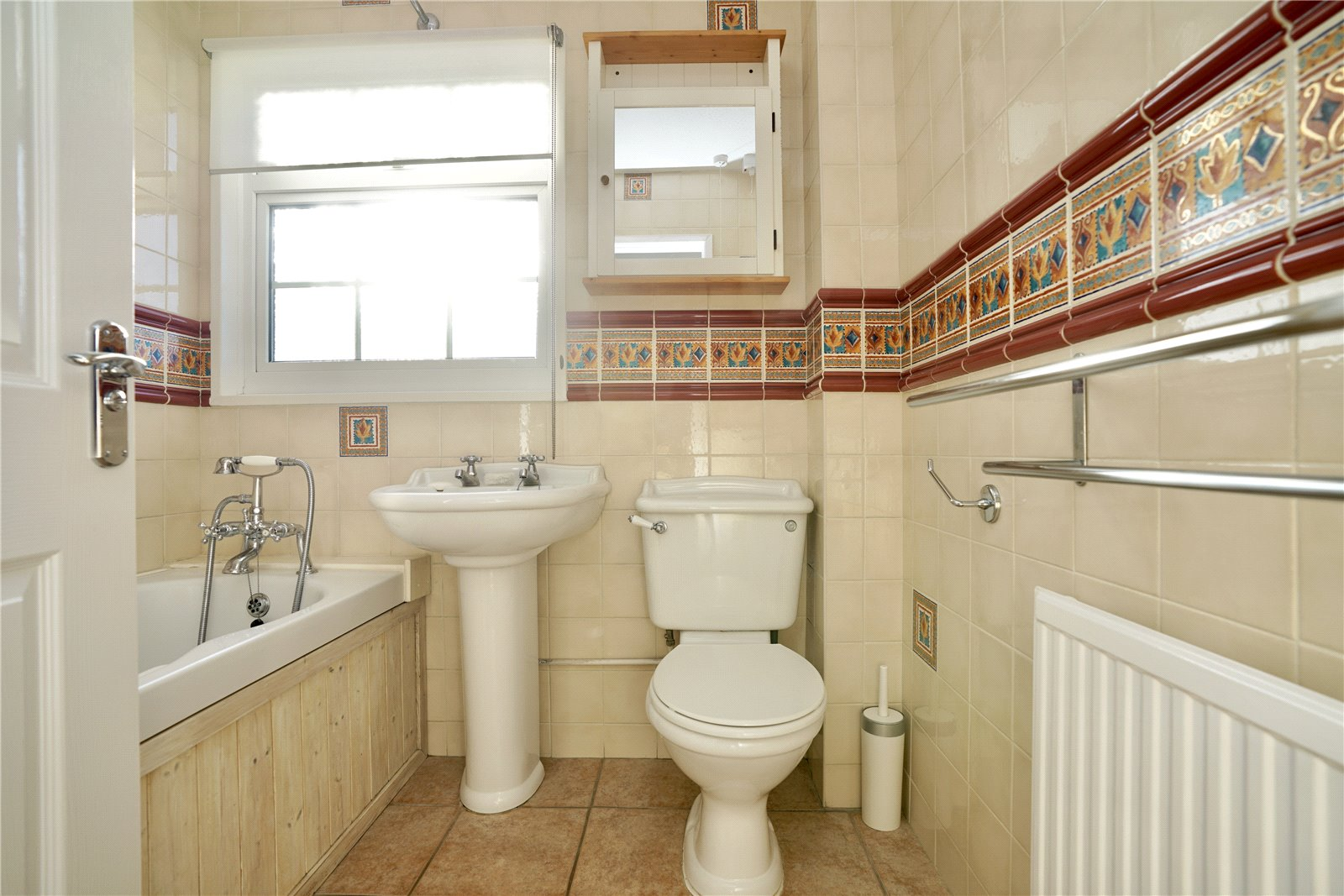 4 bed house for sale in All Hallows, Sandy 10