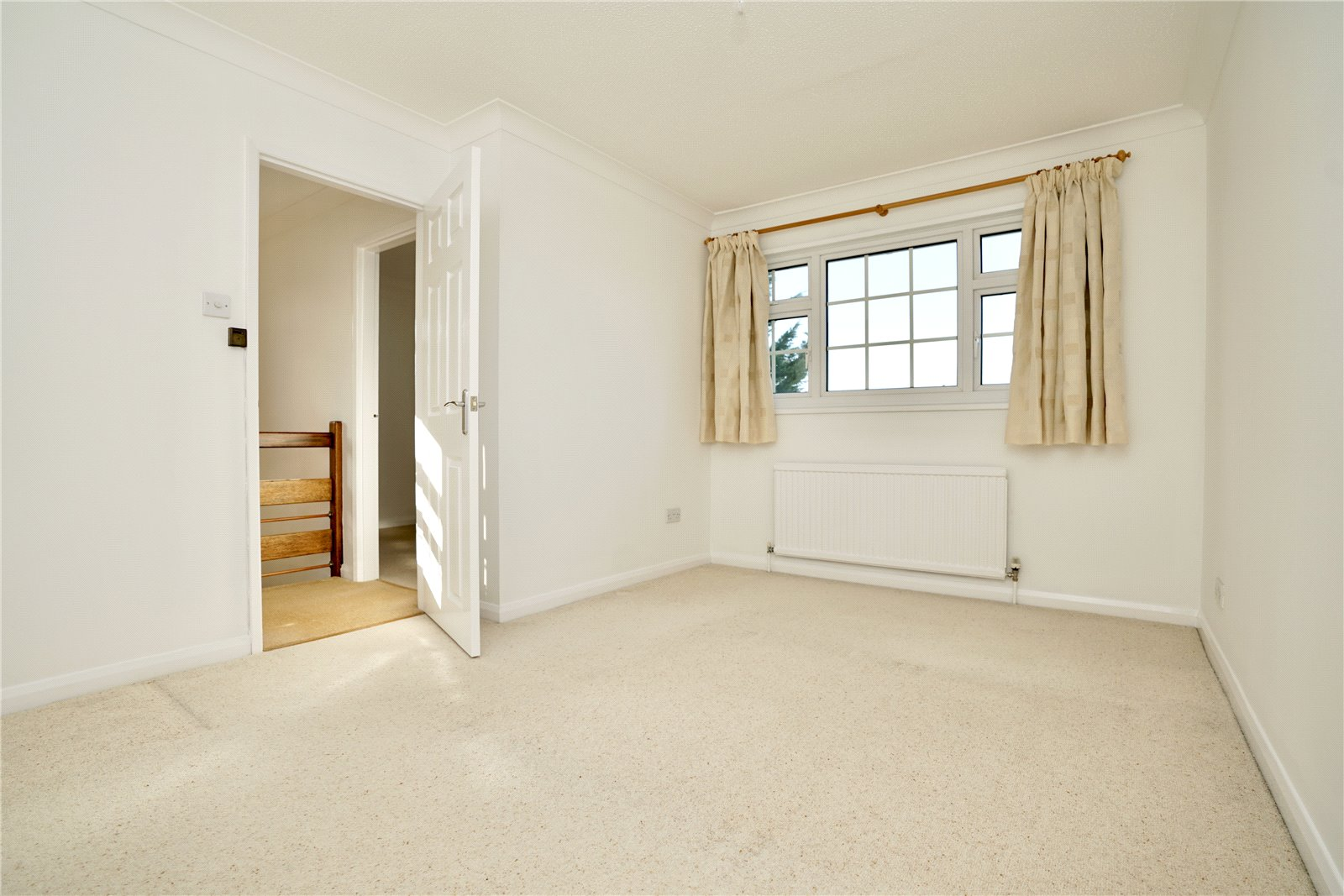 4 bed house for sale in All Hallows, Sandy 8