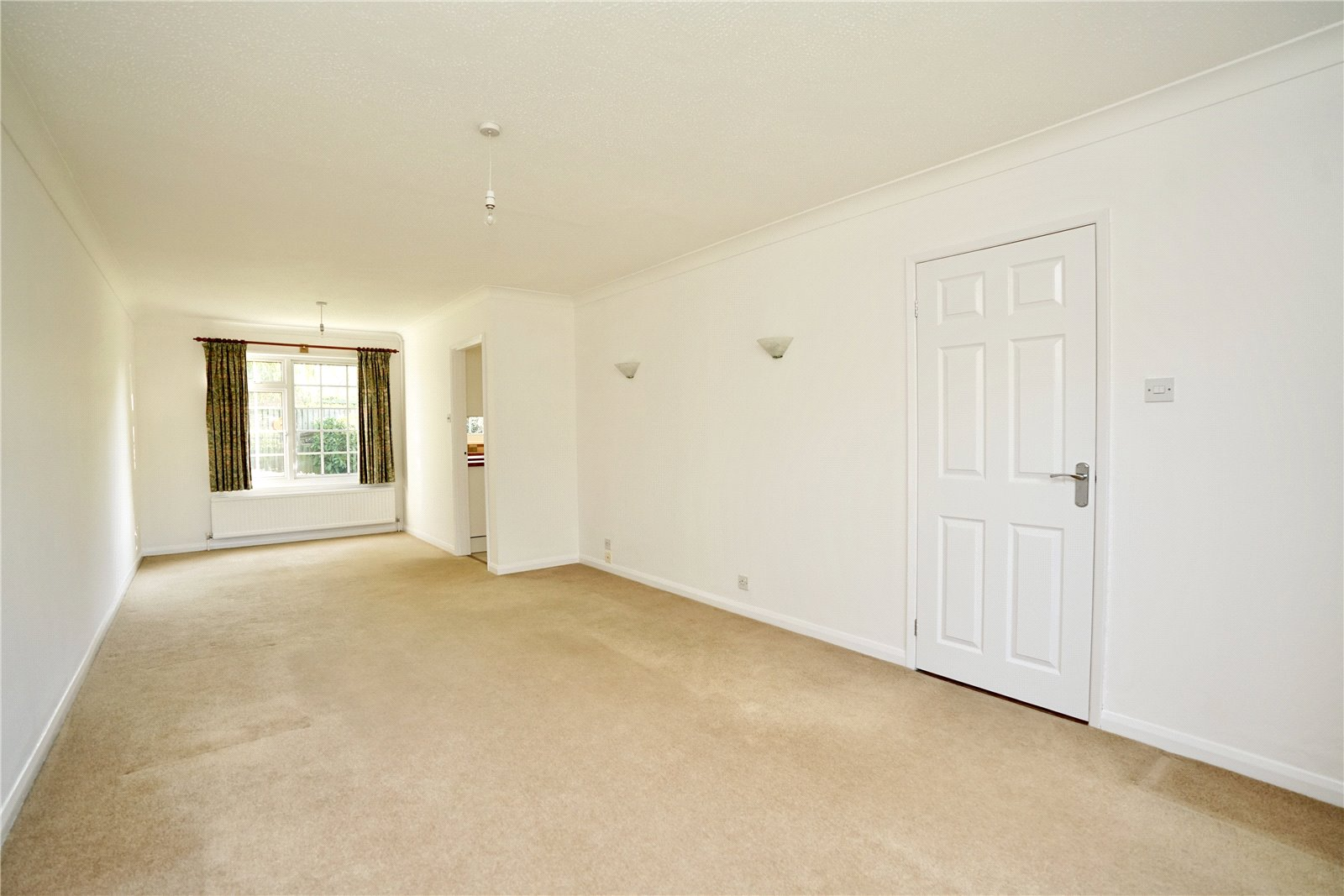 4 bed house for sale in All Hallows, Sandy 2