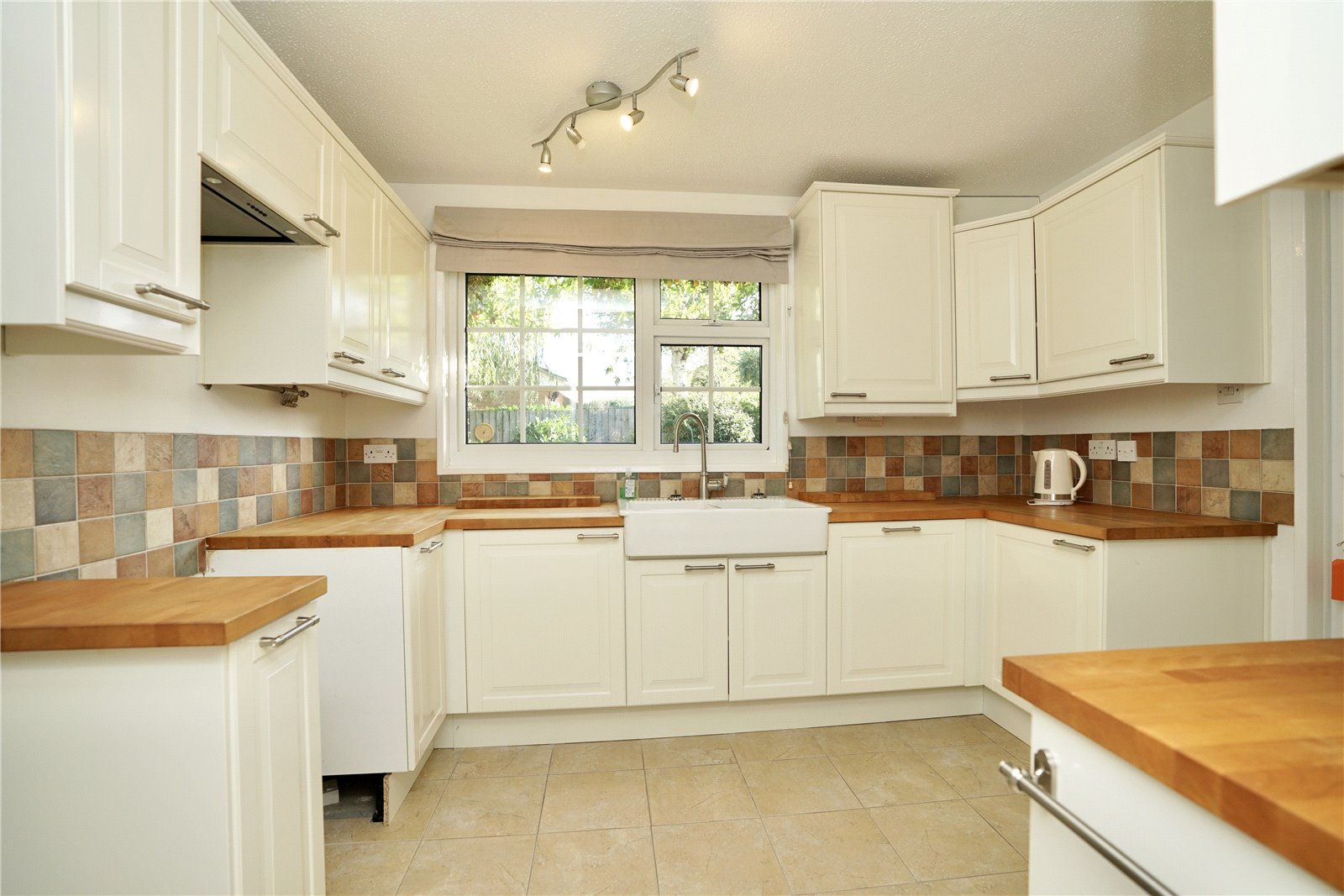 4 bed house for sale in All Hallows, Sandy 5
