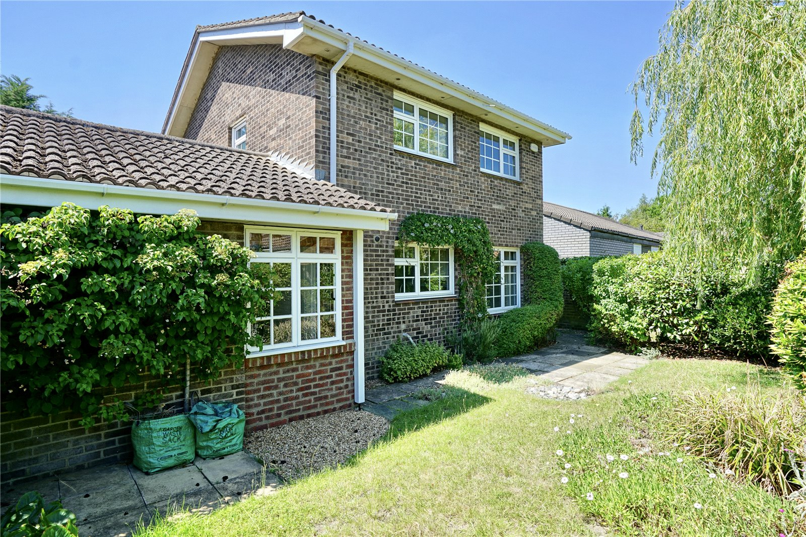 4 bed house for sale in All Hallows, Sandy 11