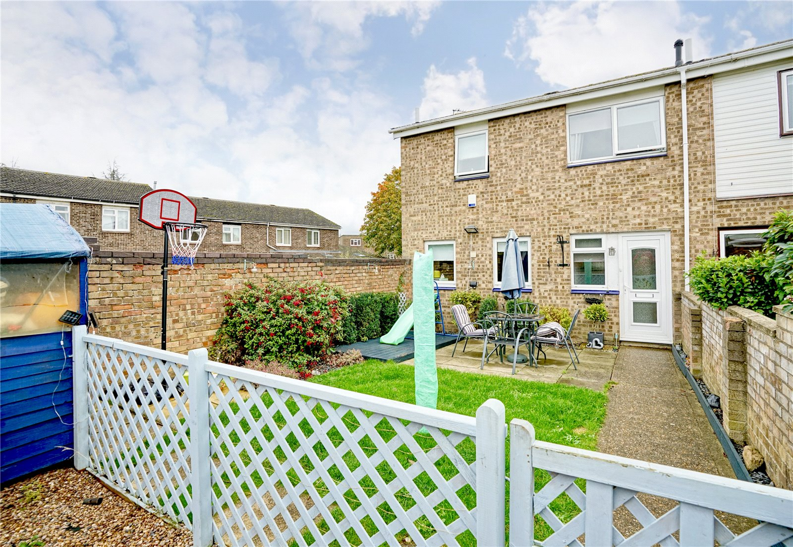 3 bed house for sale in Viscount Court, Eaton Socon - Property Image 1