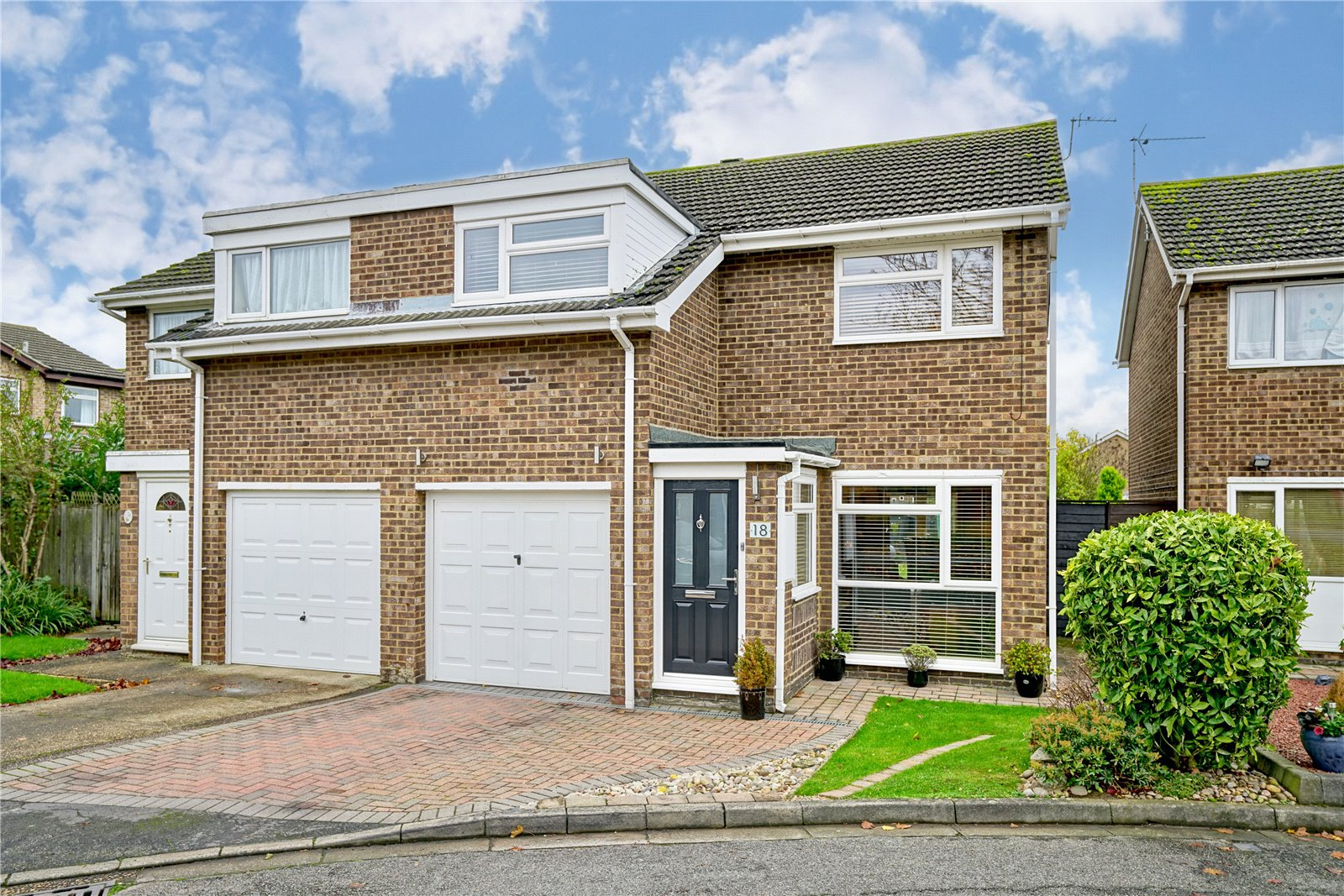 3 bed house for sale in Gainsborough Avenue, Eaton Ford  - Property Image 1