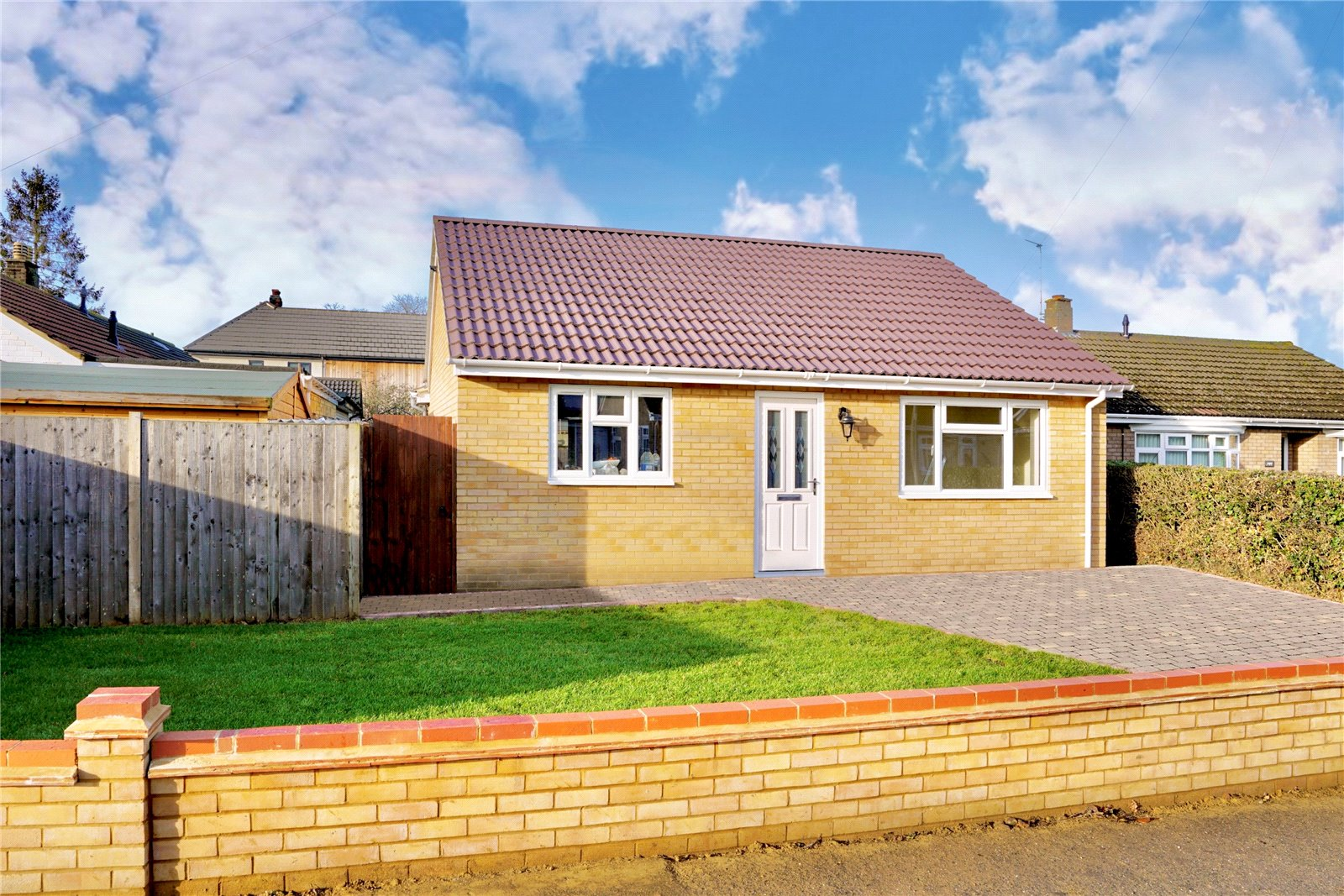 2 bed bungalow for sale in Eaton Socon, PE19
