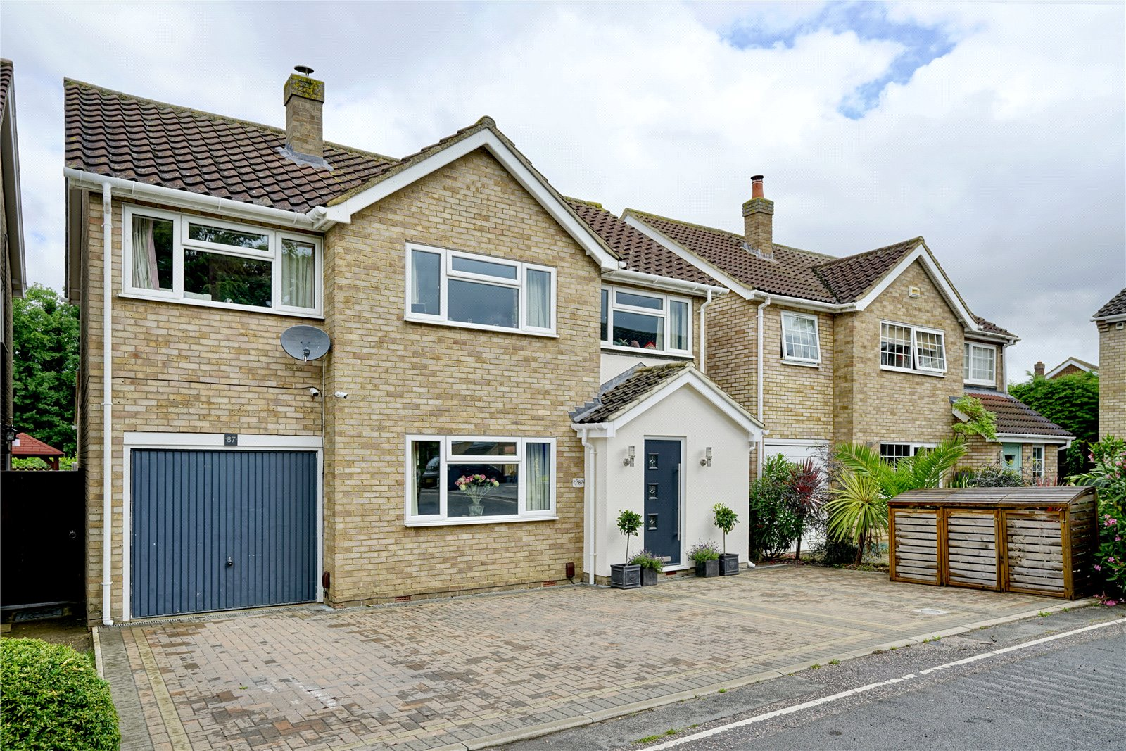 4 bed house for sale in Longsands Road, St. Neots - Property Image 1