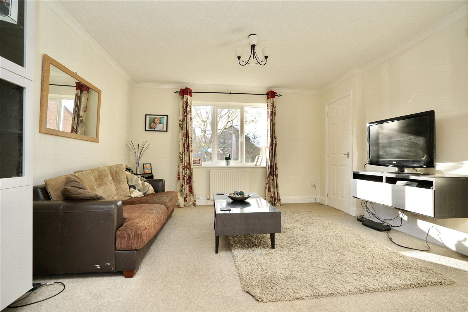 4 bed house for sale in Codrington Court, Eaton Socon 2
