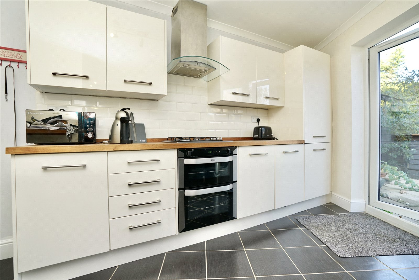 4 bed house for sale in Codrington Court, Eaton Socon  - Property Image 2
