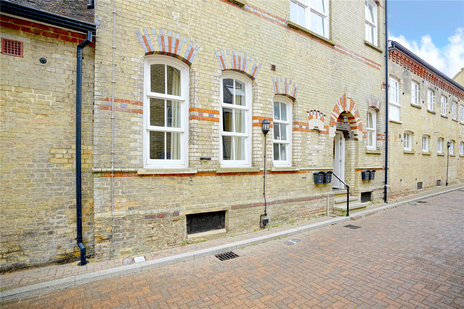 3 bed apartment for sale in Chandlers Wharf, St. Neots  - Property Image 8
