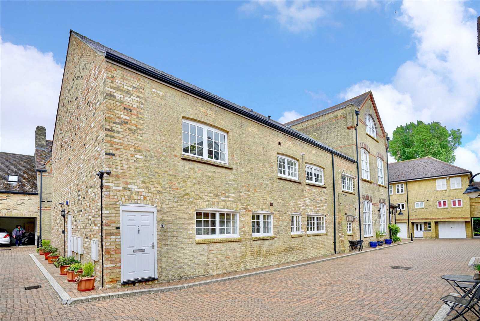 3 bed apartment for sale in Chandlers Wharf, St. Neots 0