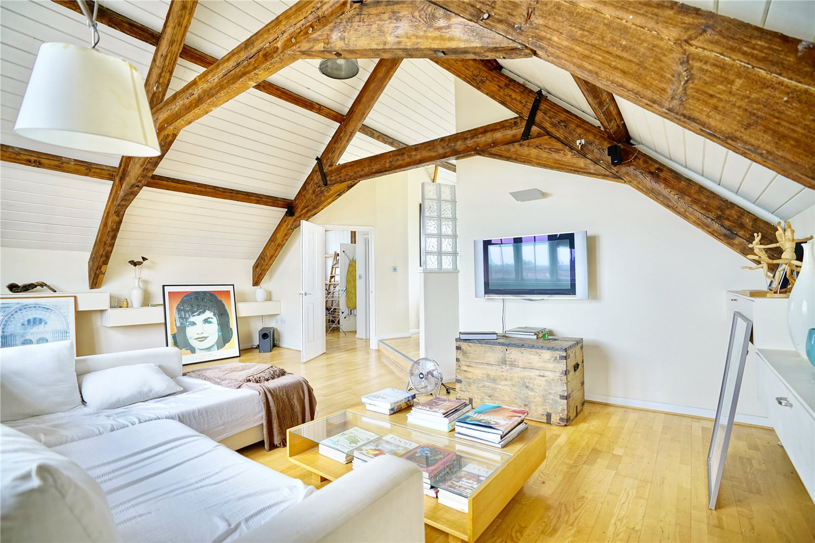 3 bed apartment for sale in Chandlers Wharf, St. Neots  - Property Image 2