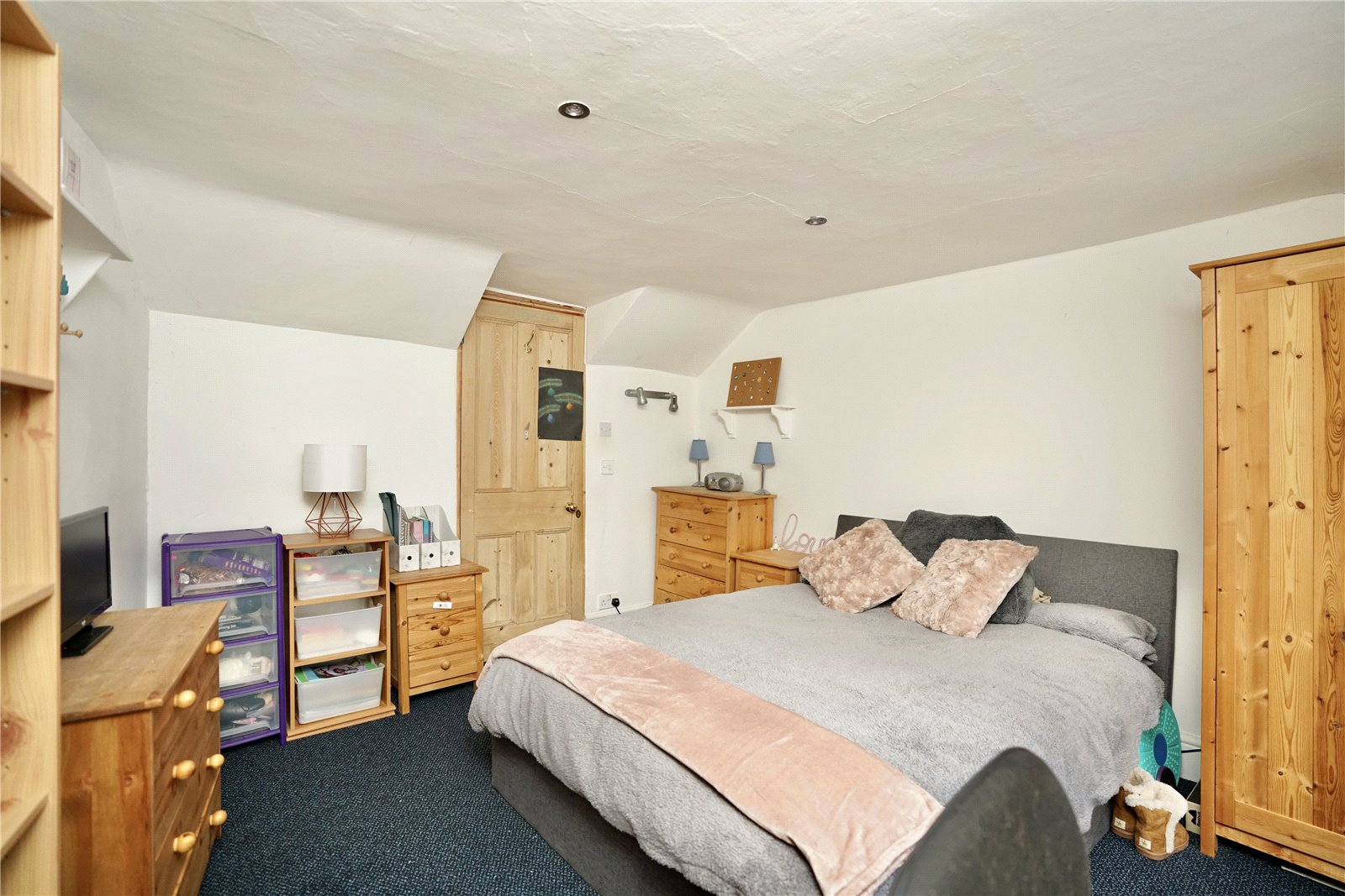 4 bed for sale in The Town, Great Staughton  - Property Image 11