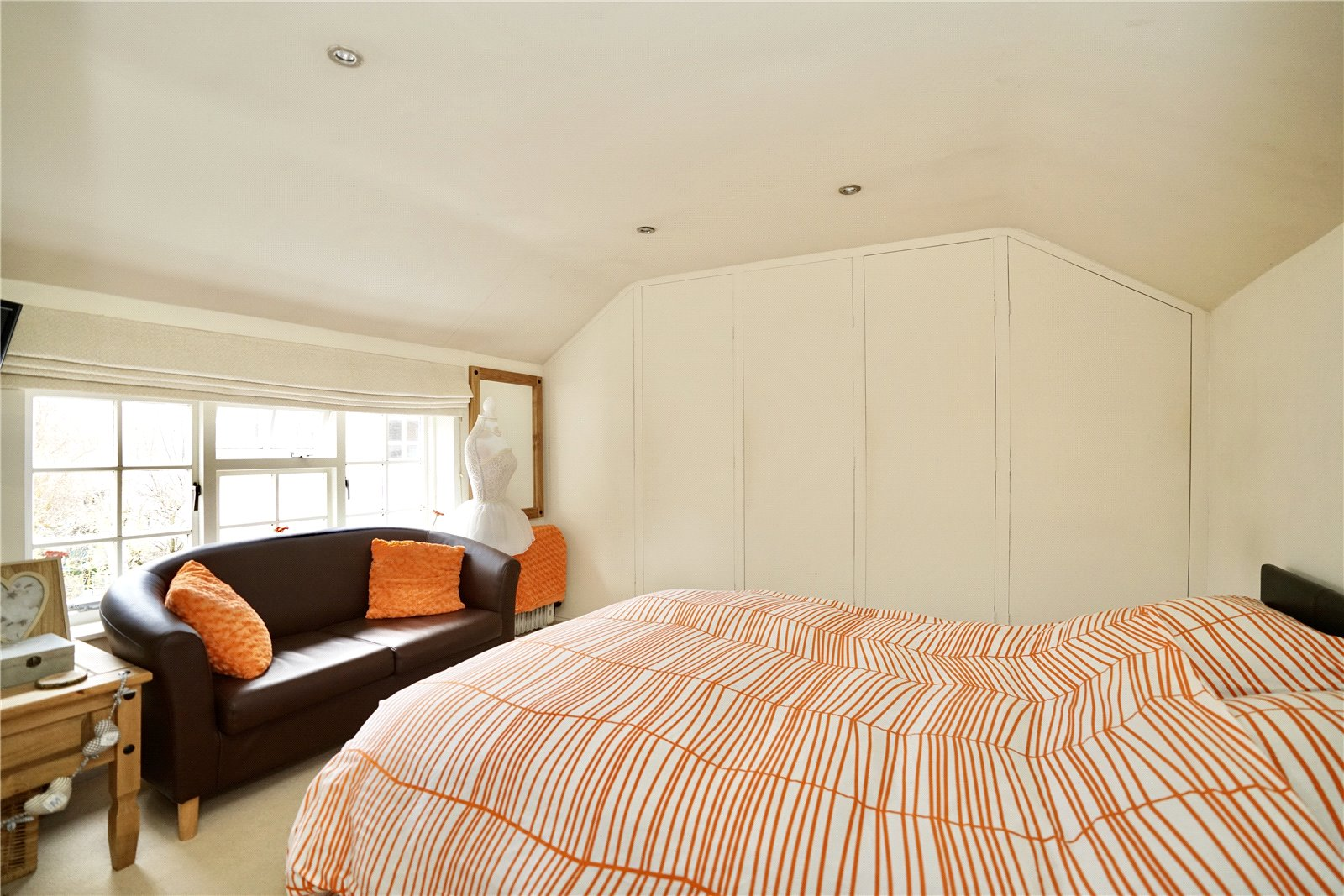 4 bed for sale in The Town, Great Staughton  - Property Image 8