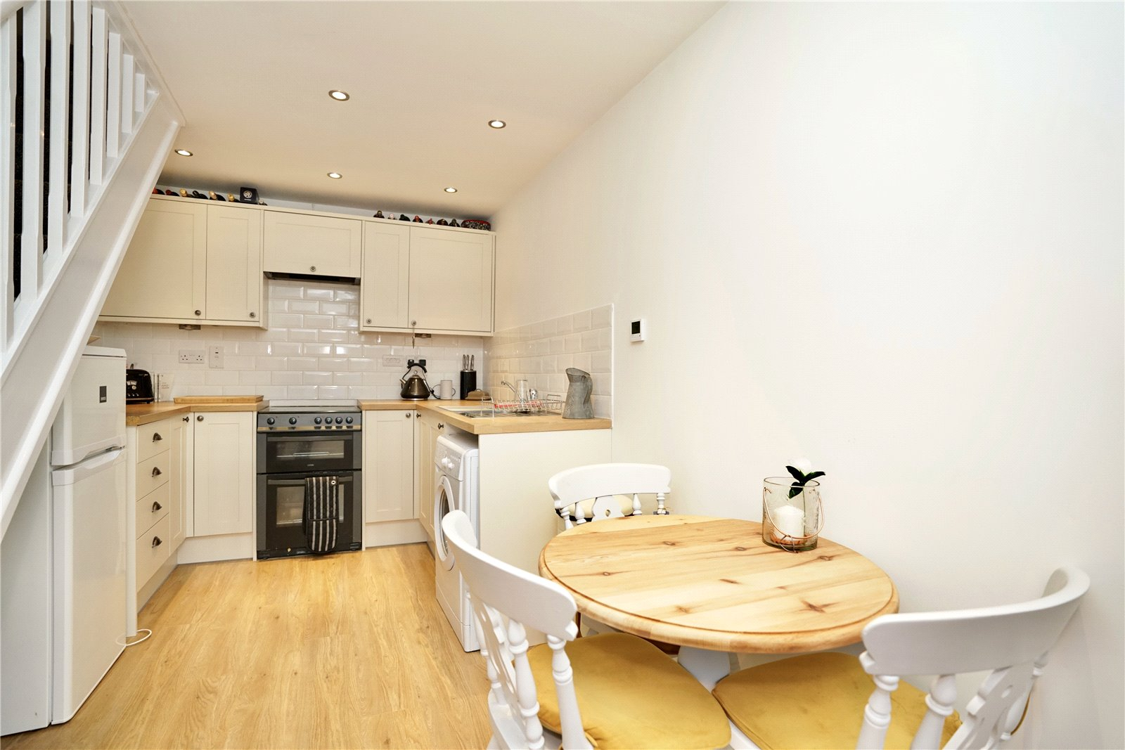 2 bed house for sale in Dennis Green, Gamlingay 2