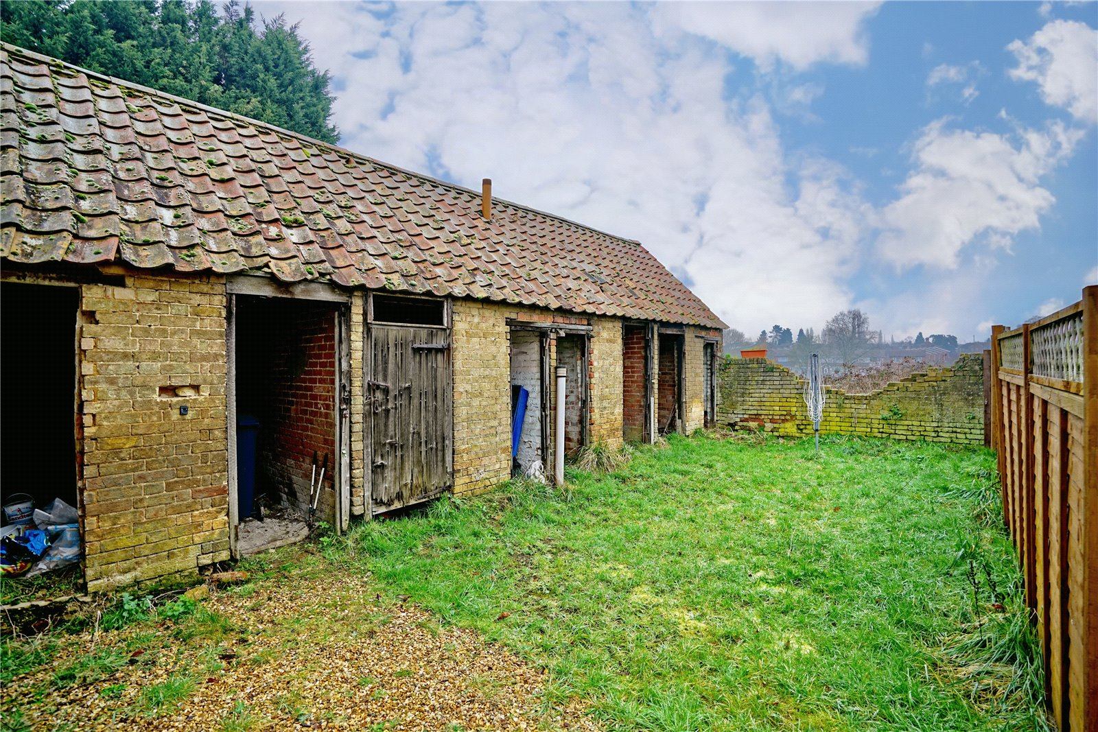 2 bed house for sale in Dennis Green, Gamlingay 4