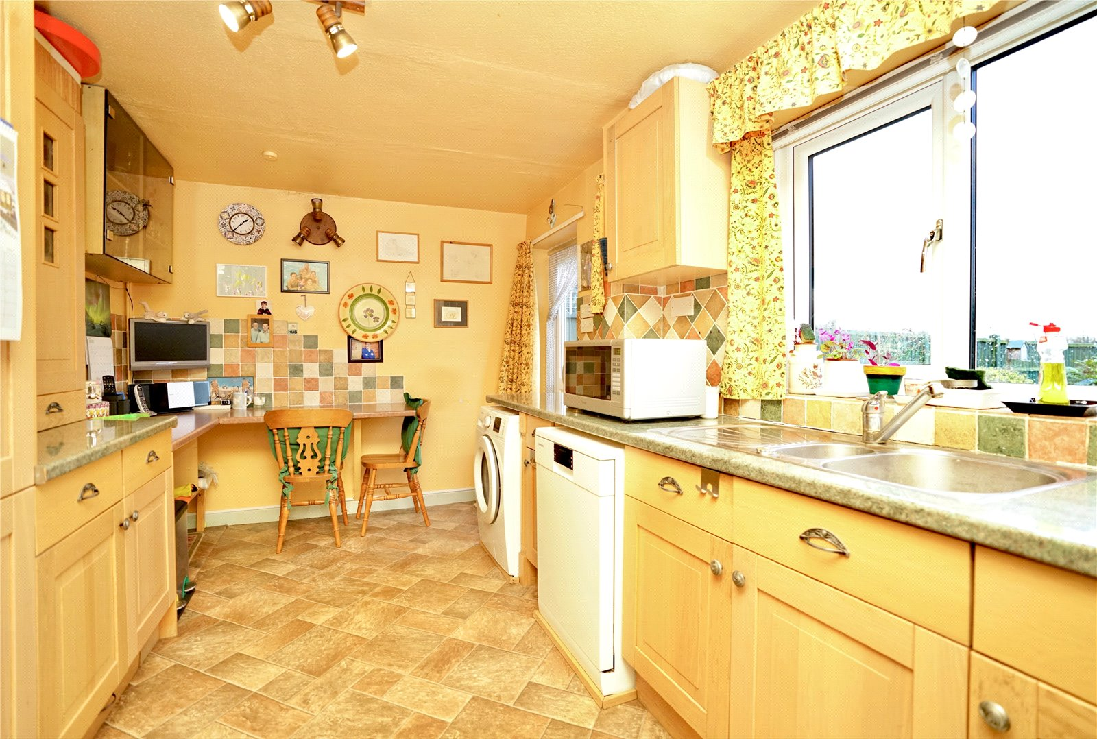 3 bed house for sale in Green Acres, Gamlingay 4